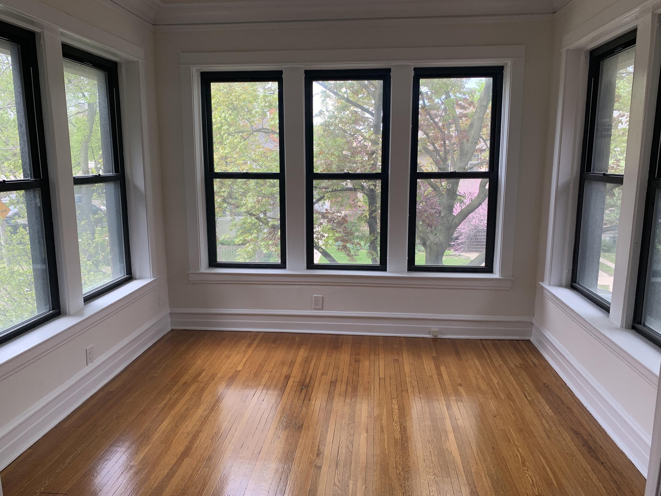 Oak Park two bedroom upper flat